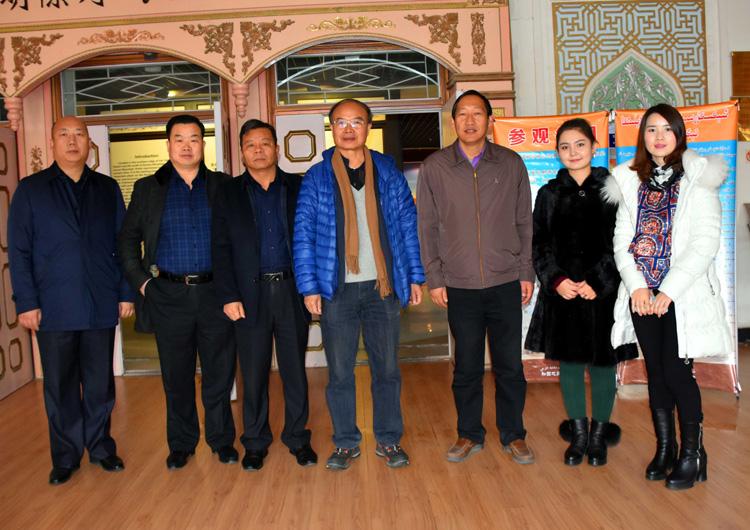 013与和田地区博物馆工作人员.jpg