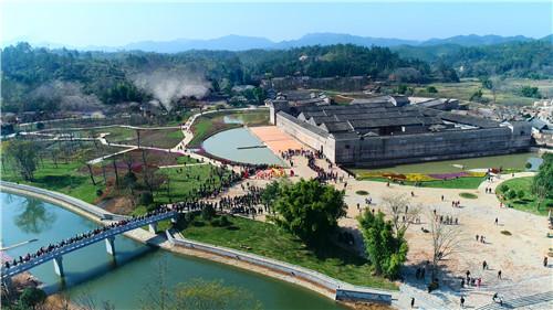 龙南:围美客家 旅游天堂