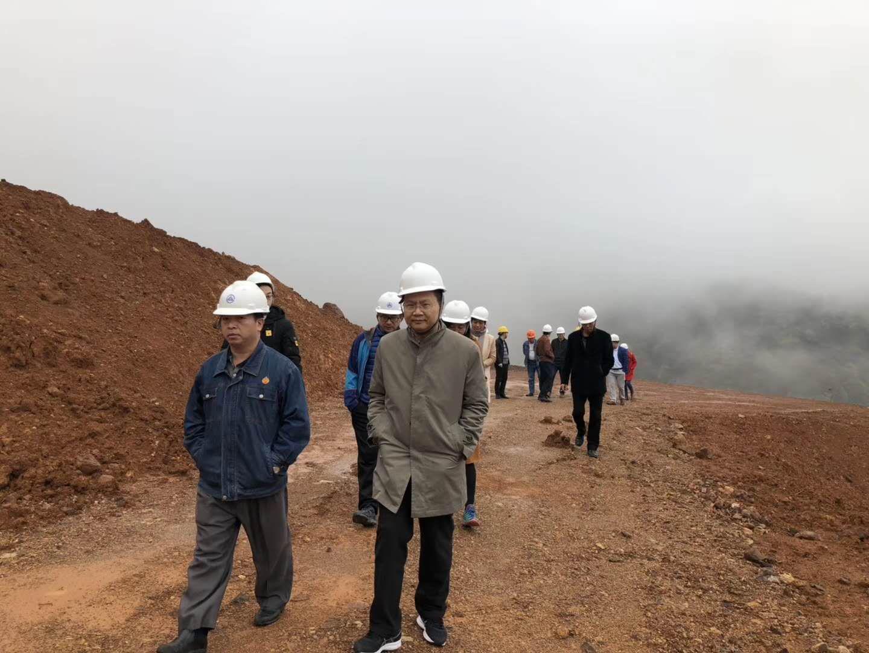 周永章教授带队到韶关市调研山水林田湖草生态修复工作