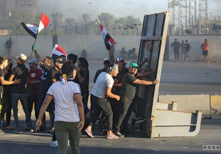 伊拉克示威冲突已造成44人死亡 什叶派领袖呼吁政府辞职