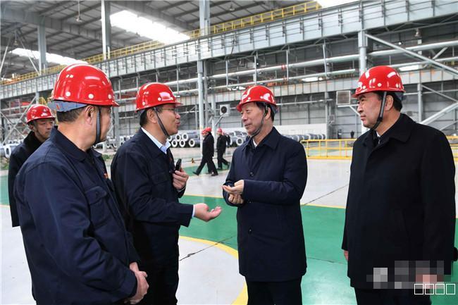 自治区党委书记石泰峰在呼包鄂三市调研