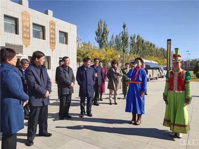 内蒙古民族团结进步创建互观互学活动在阿拉善盟举行