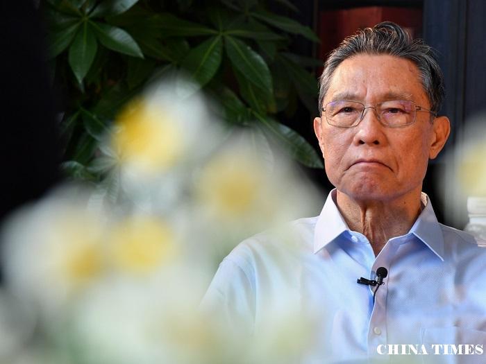 钟南山指全国新型肺炎确诊有下降趋势 但未停止人传人