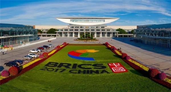 金砖峰会闭幕 中国否认意图主导金砖国家与西方抗衡